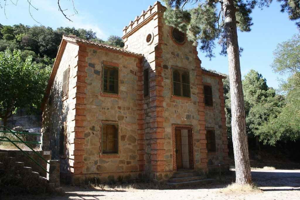 Casa forestal de Castellfollit.