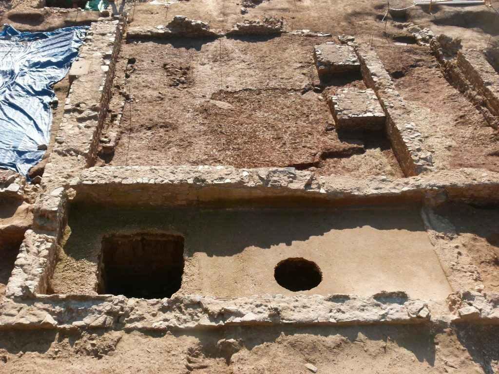 Restes de les premses de vi d'època romana del jaciment del Pont del Treball Digne, a la Sagrera. Font: Daniel Alcubierre/Servei d'Arqueologia de Barcelona.